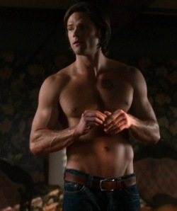 jared-padalecki-shirtless-6