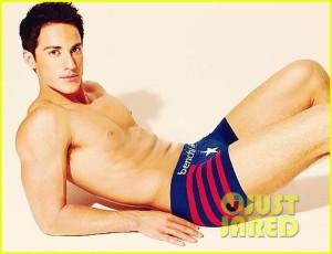 michael-trevino-shirtless-underwear-04