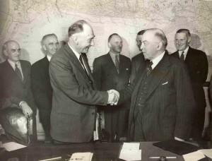 FGordonBradleyMackensieKingOttawaDelegationJune1947