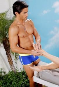 Brandon-Beemer-hottest-actors-33102068-337-500