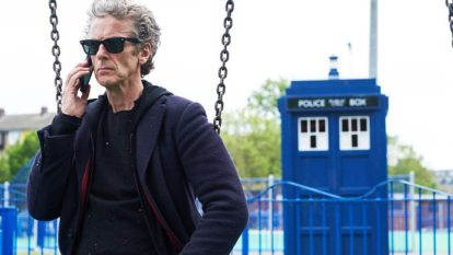 doctor-who-peter-capaldi-the-zygon-invasion-phone-call-tardis-park