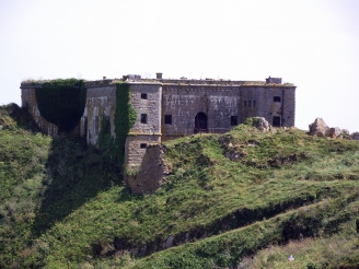 st_catherines_fort_st_catherines_island_tenby_wales_uk-14june2011