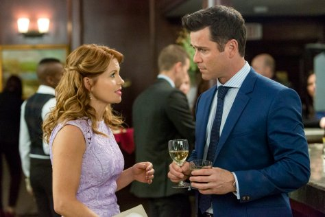 Three Bedrooms, One Corpse An Aurora Teagarden Mystery Final Photo Assets
